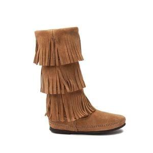 Minnetonka 3 Layer Fringe Boots Taupe 8
